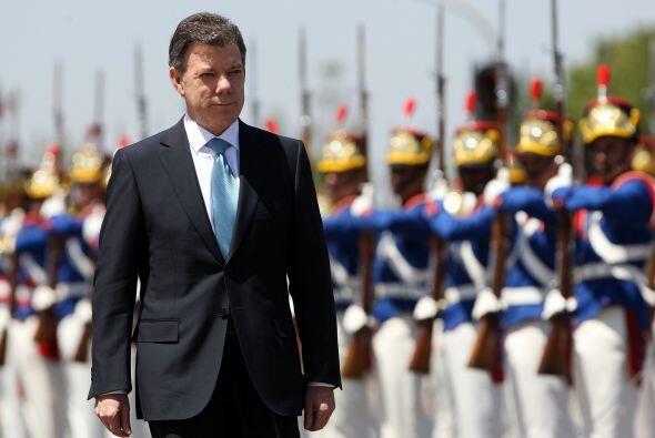 """""""Aunque el país no tiene todos los problemas resueltos, Santos ha tomado..."""