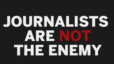 """""""Los periodistas no son el enemigo"""": cerca de 350 medios de EEUU lanzan ofensiva contra Trump"""