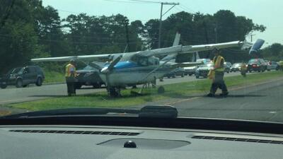 Aeroplano en carretera