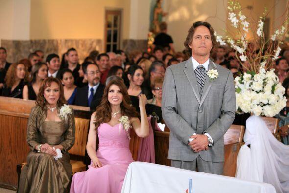 No hay telenovela sin boda, y Eva Luna no fue la excepción.