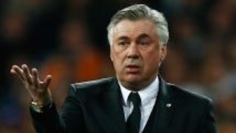 El entrenador del Madrid no puede creer que no se arme tanto escándalo p...