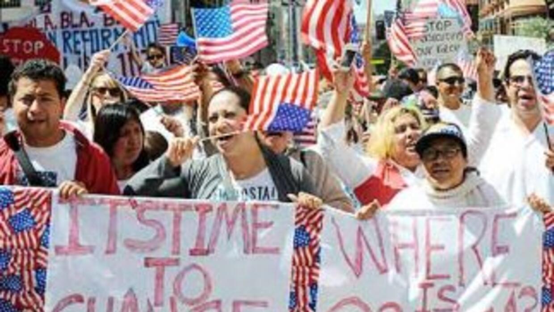 El clina antiinmigrante desatado en 2006 y la severa política de deporta...