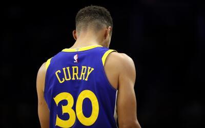 La camiseta número 30 de Curry es la más vendida de la NBA.