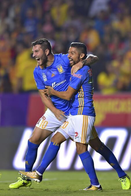 Juegazo y feria de goles entre Morelia y Tigres javier-aquino-de-tigres-...