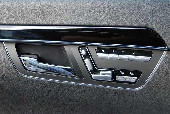 Las butacas delanteras no solo ofrecen ajustes eléctricos, calefacción y...