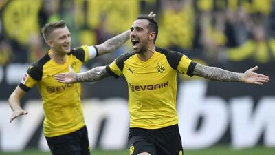 En fotos: Dortmund sufrió pero logró ganarle al Augsburgo para meterle presión al Bayern