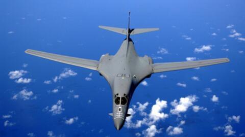 Los Lancer partieron de la Base Aérea Andersen de la Comandancia...