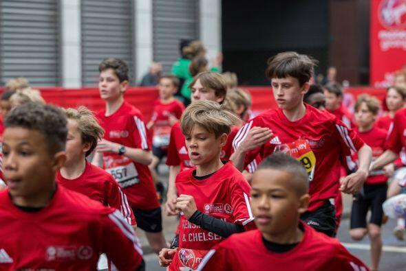 El chico corrió un mini-maratón en Londres.