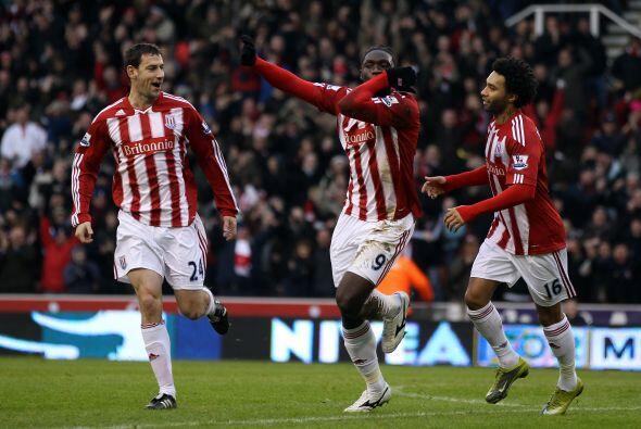 Kenwyne Jones abrió el marcador para el Stoke City. Al final del partido...