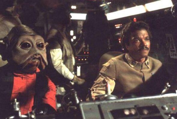 Bonehill salió como Nien Nunb, el asistente de Lando Calrissian en 'The...