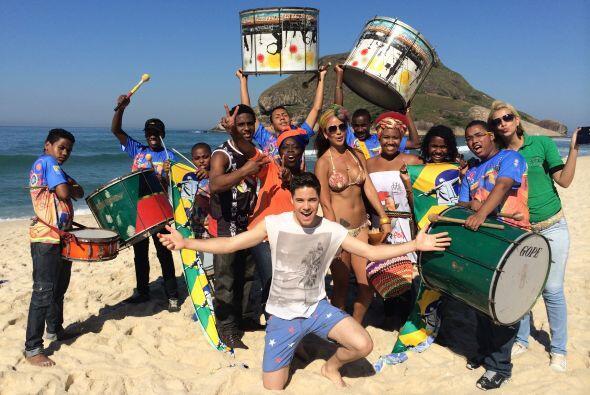 De inmediato se volvió parte de la fiesta mundialista, al ritmo de samba.