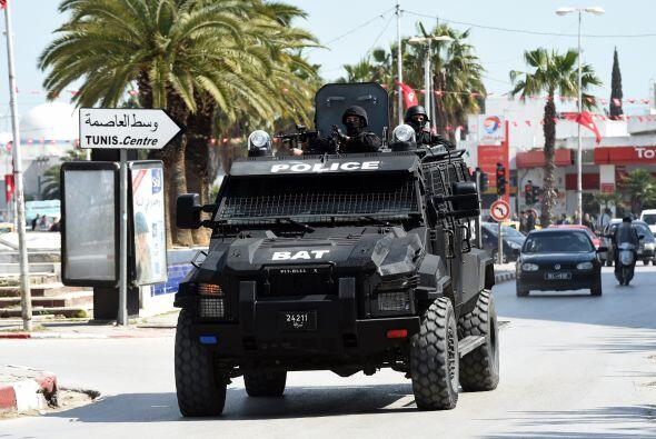 Por lo menos dos de los atacantes fueron abatidos por la policía.