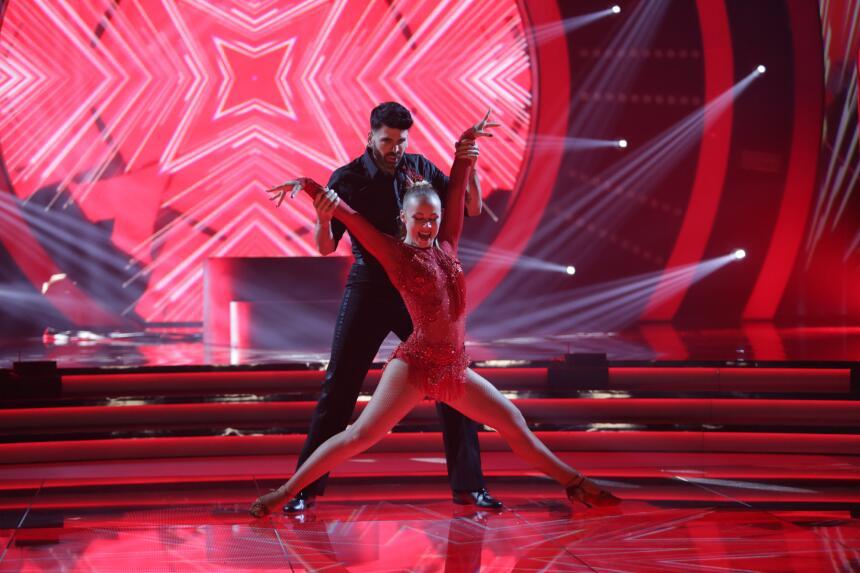 El impactante baile de Jomari Goyso.