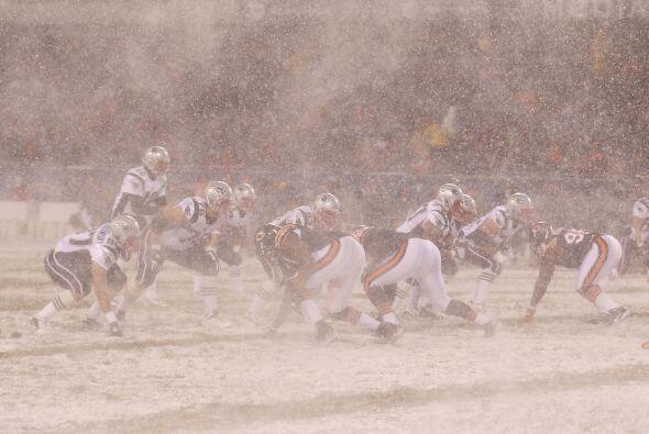 El domingo, en el estadio Soldier Filed, los Bears de Chicago jugaron co...