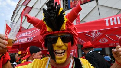 Los colores de la felicidad en el choque de Bélgica y Túnez en el Mundial