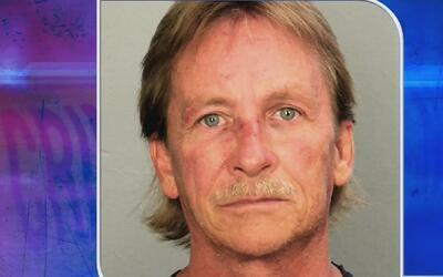 Un hombre que ofreció albergue a una familia, en Davie, es acusado por p...