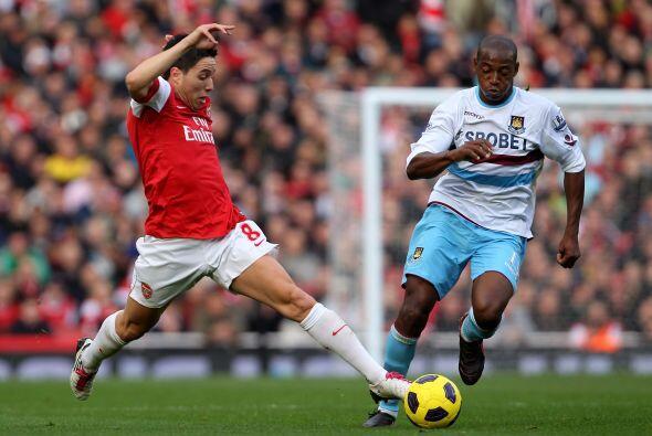 Nasri marcó los tiempos en el Arsenal. El mexicano Pablo Barrera ingresó...