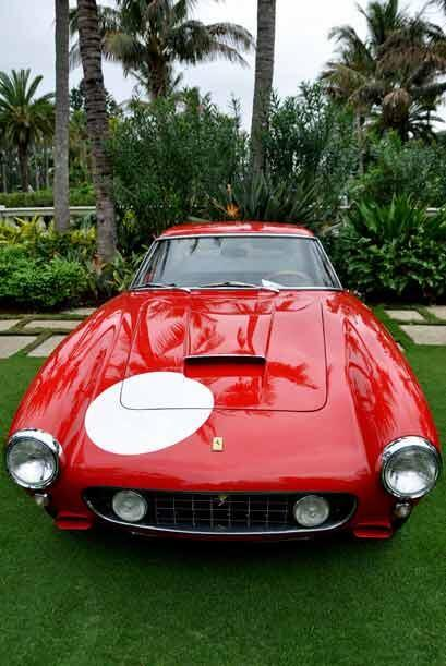El Ferrari 250 SWB Competizione debutó en el Auto Show Paris 1959.