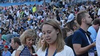 El estadio de Denver lució repleto de jóvenes en agosto del año pasado c...