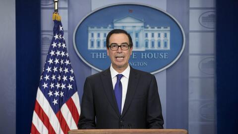 El secretario del Tesoro de los Estados Unidos, Steven Mnuchin, anunci&o...