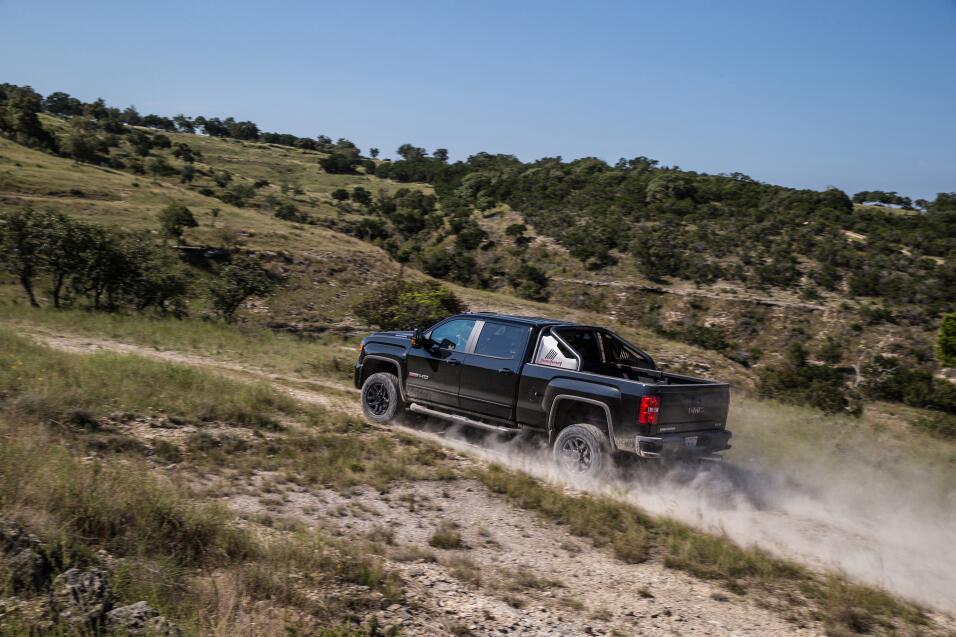 La poderosa GMC Sierra HD All Terrain X es más camión de lo que la mayor...