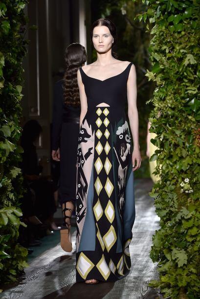 Los diseñadores Maria Grazia Chiuri y Pierpaolo Piccioli presenta...