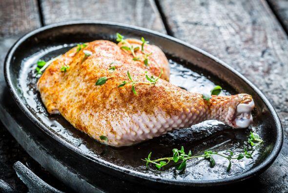 Para saborizar carnes, diviértete ensayando también con albahaca, laurel...