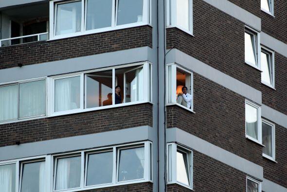 En los edificios cercaros, la atención que creó el juego de segunda rond...