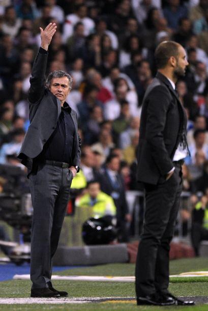 Con el gol y la expulsión de ALbiol comenzaron los cambios y la reubicac...