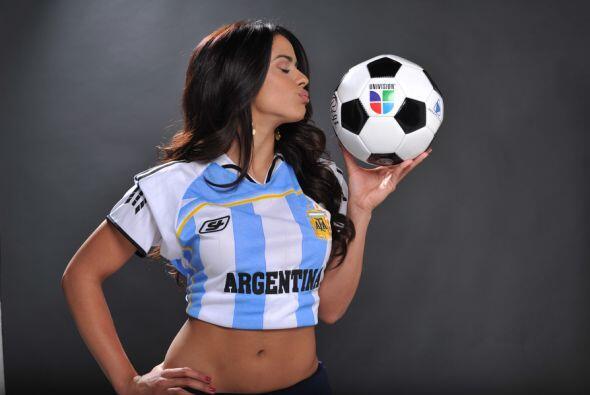 La puertorriqueña confesó que no es fanática del fútbol porque en Puerto...