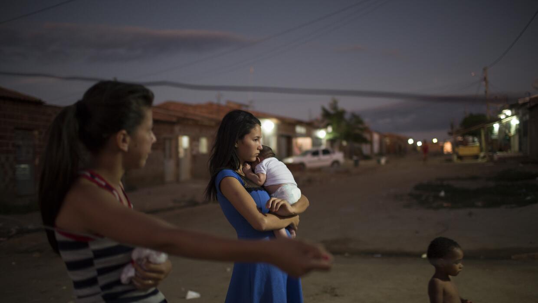 El zika ha hecho que el riesgo de que un bebé nazca con microcefalia sea...