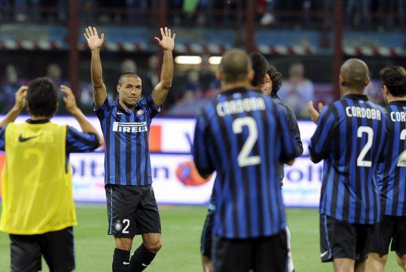 Milan, el otro aspirante el título, chocaba con el Inter, en partido de...