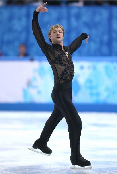 Poco antes, en el programa libre masculino, el veterano Evgeni Plushenko...