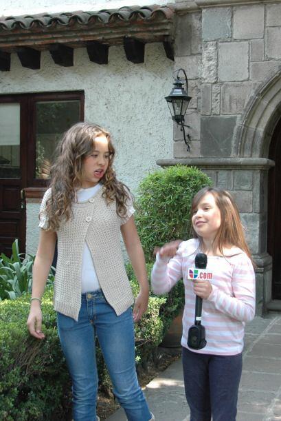 Lourdes y Amira nunca paran de reír y de divertirse contando chistes.