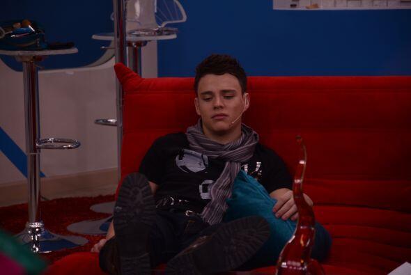Luis es orgulloso y le molesta que Marlin y le molesta que siempre está...