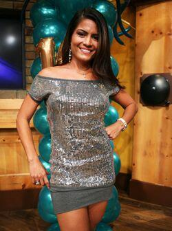 Aquí tienes a la actual Miss República, la mexicana Mara Siqueiros.