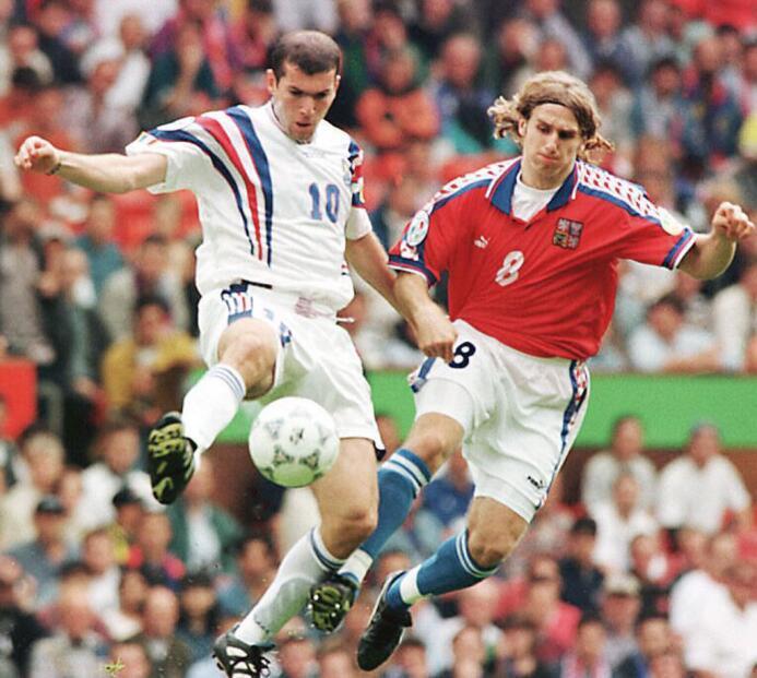 Enhorabuena, Míster Merengue Zinedine Zidane GettyImages-51502558.jpg