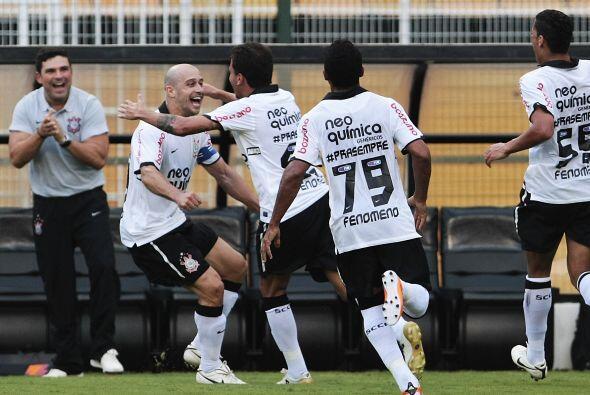 El Corinthians derrotó al Santos 3-1. Fue una jornada emotiva, por el ad...