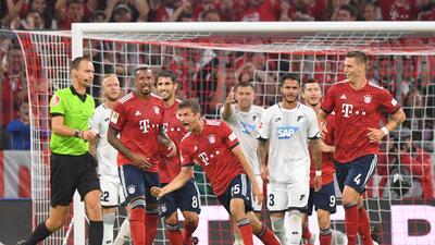 En fotos: El polémico inicio de la Bundesliga con triunfo del Bayern