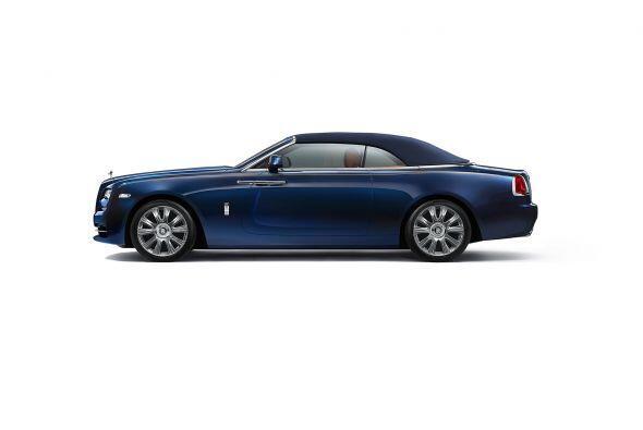 El interior del Rolls-Royce Dawn es muy parecido al de los Ghost o Wrait...
