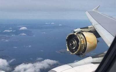 Varios pasajeros del vuelo compartieron imágenes de la turbina da...