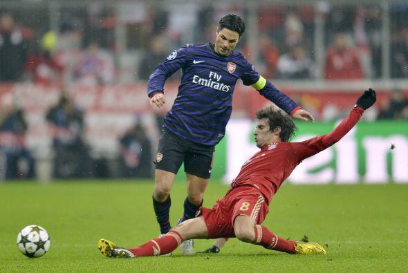 Pero los ingleses no dominaban el duelo, a pesar de que el marcador ya l...
