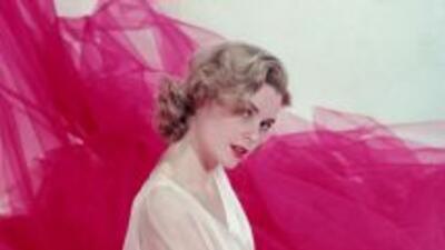 Se apoderó de las pantallas de Hollywood con su clásica belleza american...