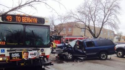 Varias pasajeros tuvieron que recibir ayuda médica durante el accidente...