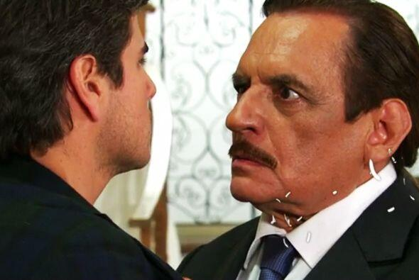 Ya lo sabes Pablo, Esmeralda no está sola, tiene a don Fernando para que...
