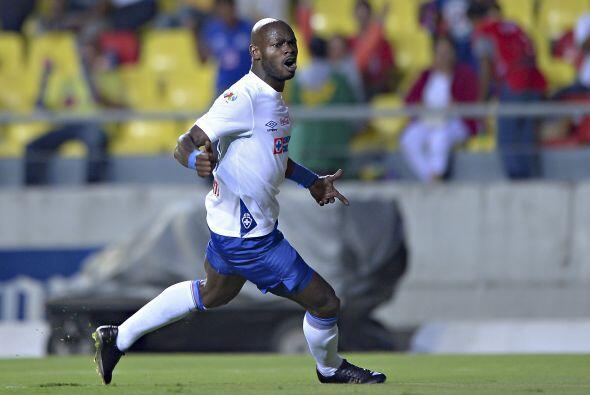 El jugador camerunés, Achille Emaná no formará parte del Cruz Azul para...