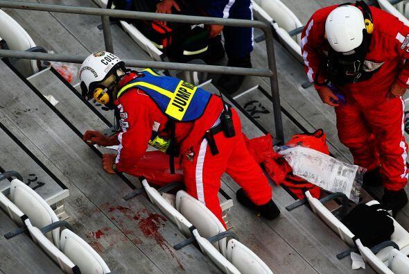 Las imágenes revelaron que varios asistentes habrían salido heridos.