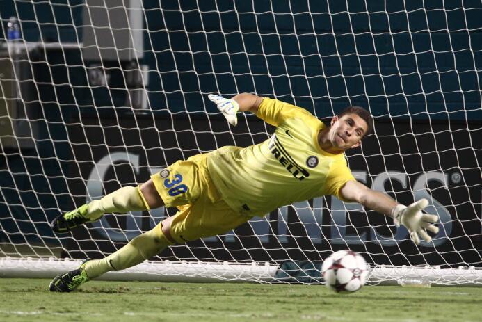 El portero argentino Juan Pablo Carrizo, ex River Plate y actualmente en...