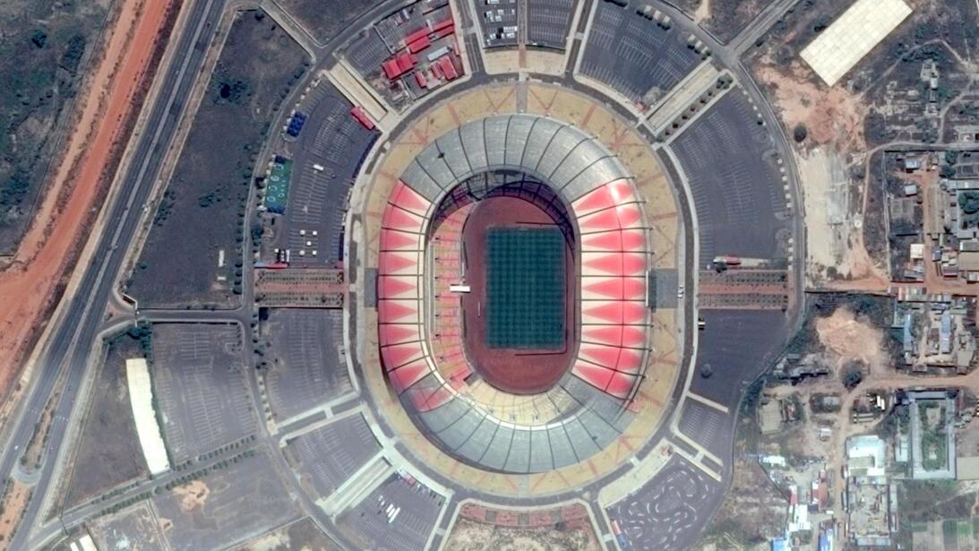 En Angola, China apoyó la construcción del Estadio 11 de Noviembre, en e...