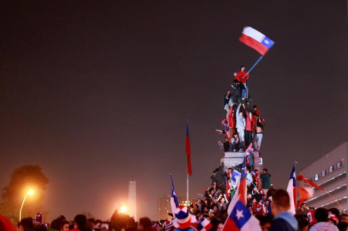 La tragicomedia de Chile, del cuento de hadas a la historia de terror po...